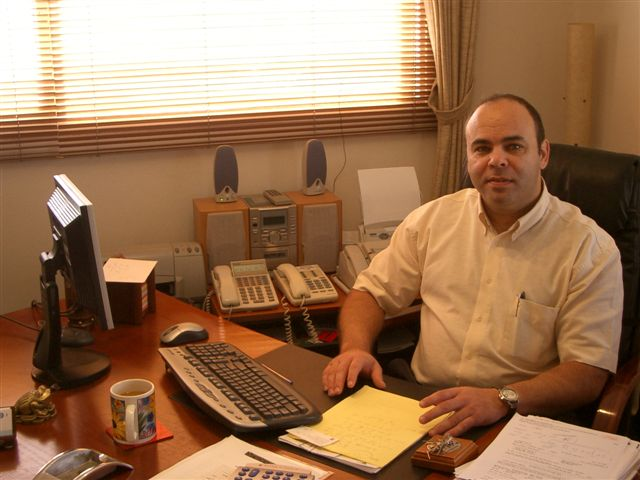 יועץ עסקי,מלווה ומנהל עסקים יוסי ברון